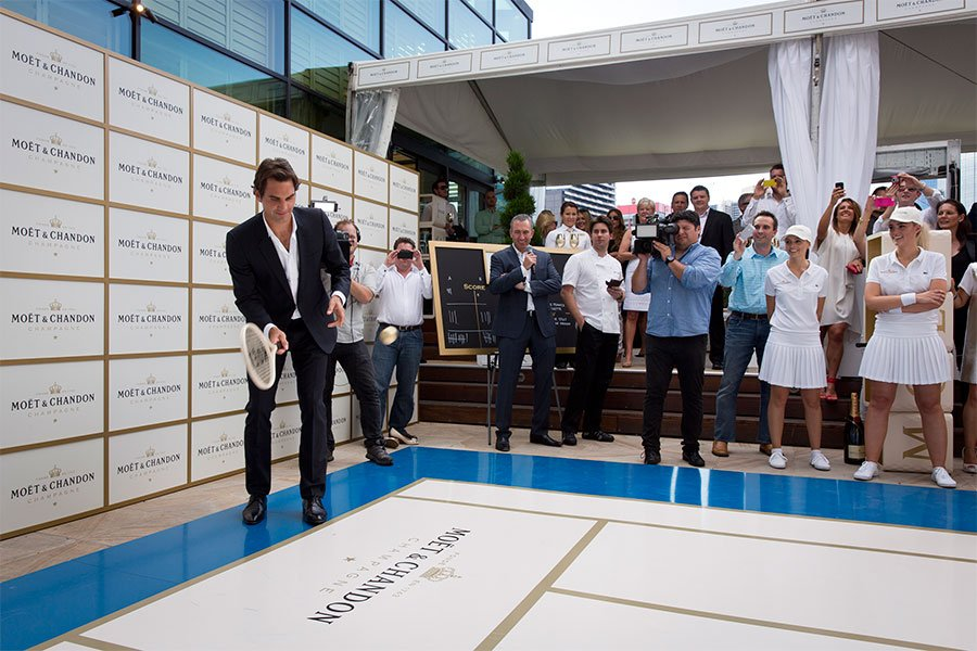 roger-federer-game-set-moet