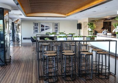 Bar chairs and tables Land Rover All-New Discovery Launch